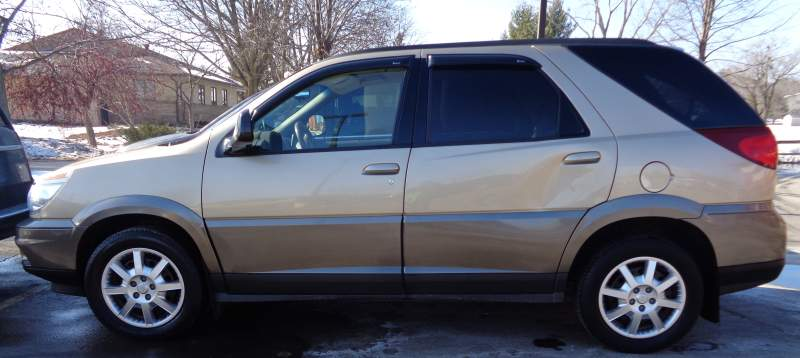 gray 2005 Buick Rendezvous vehicle for sale by Sealed Bid